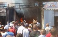 بالفيديو حريق مهول في محل للاثات بمدينة البئر الجديد امس الثلاتاء