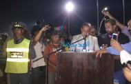 بالصور تأخير حفل اختتام موسم مولاي عبد الله الى ساعات متأخرة  اضفى نوع من الارتباك والقلق على وجوه بعض الحاضرين  من الجمهور الجمهور والجانب الرسمي