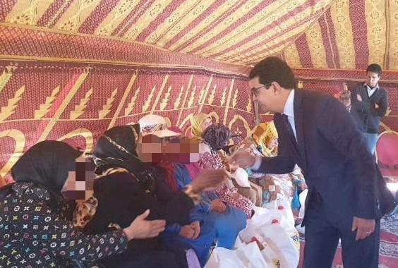 عامل الاقليم يشرف على عملية توزيع قفة رمضان بدار الطالبة