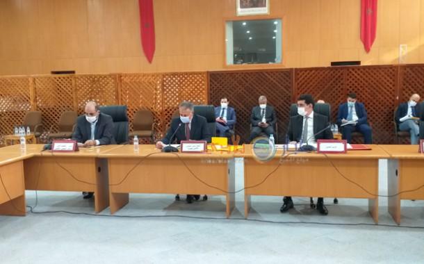 انتخاب وتشكيل اللجان الدائمة في الجلسة الثانية من الدورة الاستثنائية للمجلس الاقليمي في غياب المعارضة